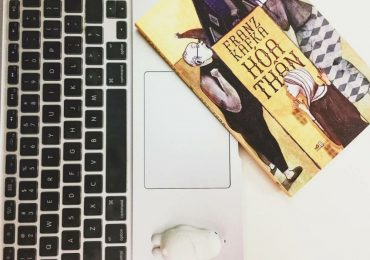 """""""Hóa thân"""" của Franz Kafka và nỗi ám ảnh day dứt đến đau lòng"""